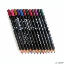 MAC Eye/Lip Liner Aloe Vera and Vitamine-E Set Of 12 Pieces